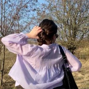 ZARA skjorte i en fin lilla farve💜