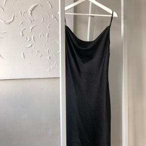 M-kae kjole