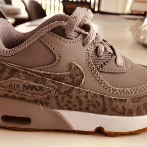 Varetype: Sneakers Farve: Grå  Nike Airmax  Str 25  Farve: Grå leopard  Aldrig brugt  300,- pp
