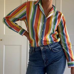 Vintage Ralph Lauren skjorte sælges 🍭🍭  Kan prøves afhentes på Nørrebro eller sendes med DAO, hvor køber betaler fragt 🌸