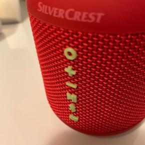 Sælger denne næsten nye højtaler. Virker som den skal og fejler intet.