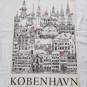 København plakat signeret af tegneren Jacob Sneum  Måler 62 x 100 cm  Jeg sælger ud af min families store samling af plakater, der er samlet over mange år  Alle plakater er kun til afhentning på Teglholmen