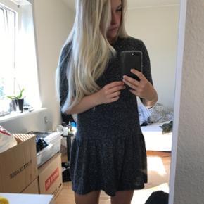 Super fin basic kjole fra Moss Copenhagen. Brugt få gange