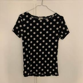 Priklet t-shirt fra Jacqueline de yong i str S.