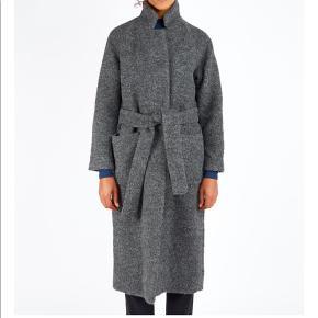 Overvejer at sælge denne lækre jakke fra ganni hvis det rigtige bud kommer. Byd!