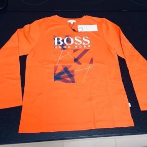 Helt ny Boss bluseStr 10 år eller 138cm