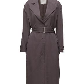 Flot frakke, flot grå farve, str 36