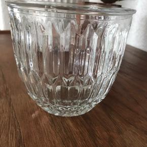 Rigtig flot glas urtepotte skjuler  Diameter 13 cm