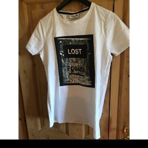 Fin T-shirt fra Marcus ⚡️ meget lidt brugt.