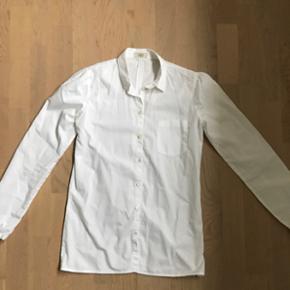 Klassisk hvid skjorte fra Mads Nørgaard str 34