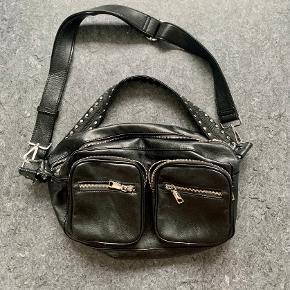 Noella anden accessory
