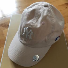 Flot NY Yankees cap i lyserød