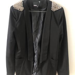 Minimum blazer