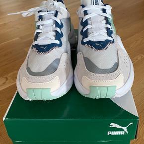 Puma -Rise WNNS White/Green. Aldrig været brugt. Kommer fra røg frit hjem.
