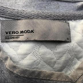 Smart Trøje Størrelse: X Small  Oprindelig købspris: 299 kr.  Super udsalg.... Jeg har ryddet ud i klædeskabet og fundet en masse flotte ting som sælges billigt, finder du flere ting, giver jeg gerne et godt tilbud..............  Super flot  trøje - som ny .  brugt få gange Nypris 229 kr.   Sendes med DAO