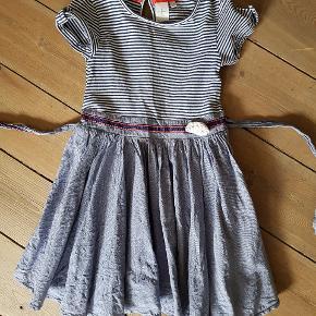 Den sødeste kjole str 3-4 år.  Fra Jasper Conran Gmb men fin.