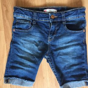 Lækre knickers/shorts i mørkeblå, brugt ganske få gange.
