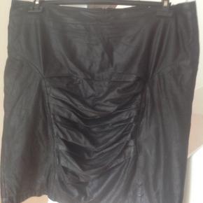 Jet Set of Copenhagen. Super fin skind nederdel Livvidde 102 cm. Længde 38 cm.