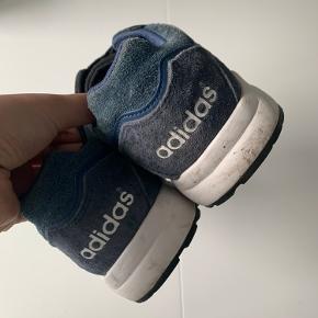 Adidas Super Tech. Brugte. Stadig gode :) Str. US5 / UK3,5