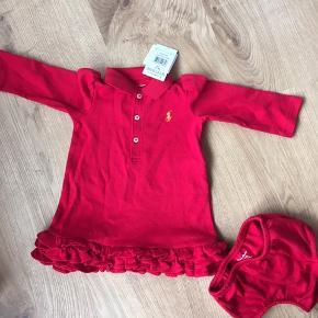 Helt nyt med prismærke ralph Louren kjole og buks i flot rød! Modtaget i gave for småt😔