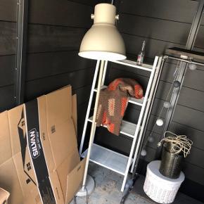 Gulvlampe fra Ikea, fejler intet - sælges pga. flytning