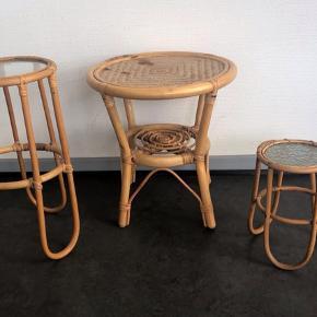 Fint bambusbord med glasplade 25 cm.