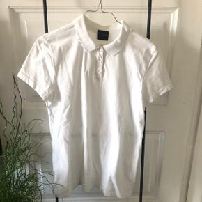 Polo T-shirt far selected femme Aldrig rigtig brugt, kun i nogle timer. Har dog haft den i lang tid 🦄