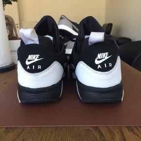 Nike Air Huarache - sorte og hvide
