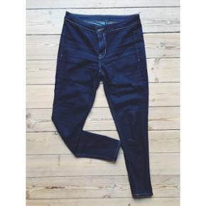 Mørkeblå superstretch jeans fra H&M Str. 40  Brugt få gange