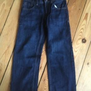 Levis bukser 110-116 -fast pris -køb 4 annoncer og den billigste er gratis - kan afhentes på Mimersgade 111 - sender gerne hvis du betaler Porto - mødes ikke andre steder - bytter ikke