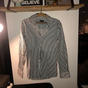 Sam's skjorte