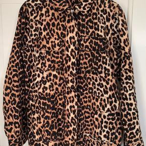 Camberwell leopard jakke, brugt få gange.