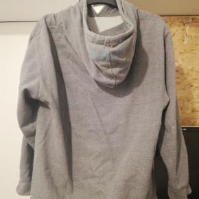 Brand: Odd future  Varetype: Hættetrøje Farve: Grå Oprindelig købspris: 700 kr.  Sælger denne fede odd future hoodie. Den er i en cond 8/10. Den fitter ca 170-180 cm