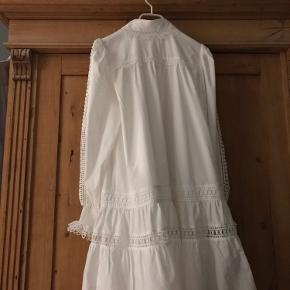 Aldrig brugt rigtig flot kjole!  Str.40, passer en L