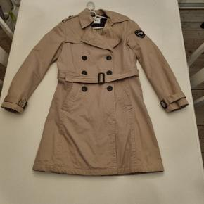 Cottonfield trenchcoat