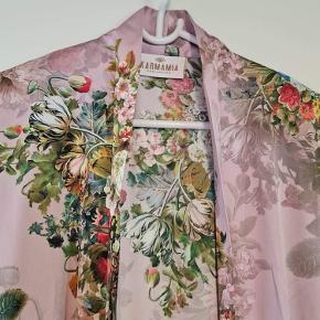 Karmamia kimono