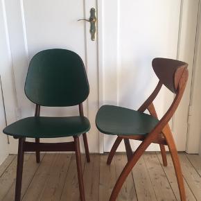 To flotte istandsatte spisebordsstole i teakfarve sælges. Jeg har malet sæderne grønne. Det er muligt at male dem eller polstre dem, hvis man ønsker det. Stolene er i god stand.   1200 kr. pr. stk. eller begge to for 2000. Skal afhentes i NV.