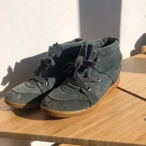 Meget slidte men søde Moss Copenhagen støvler med kilehæl  Mørkegrøn ruskind