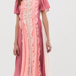 Smuk kjole fra sister Jane. Købt sidste måned ca. En lille dansk L.