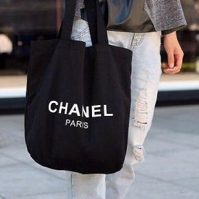 Fineste og altanvendelige Chanel net sælges! Obs: En del af Chanels vip sortiment/gifts.