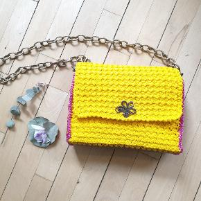 Handmade knit yellow with fuschia bag⚡⚡⚡golden like chain and bronze button