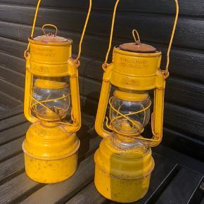 Gamle Feuerhand petroleumslamper fra Tyskland. Sælges for 300kr pr stk. Har kun en tilbage