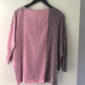 Mønstret tunika i bordeaux/rosa   Køber betaler fragt og TS   BYTTER IKKE