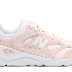New Balance WSX90 i sart rosa. Sælges da de lige er en tand for små🙌🏻🌸