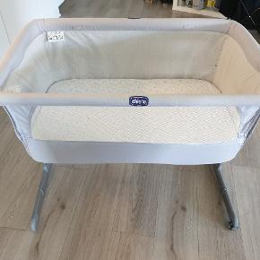 Rigtig god seng, kan foldes sammen så den bliver helt flad, og tages med på tur 🤗 Vi har været så glade for den.