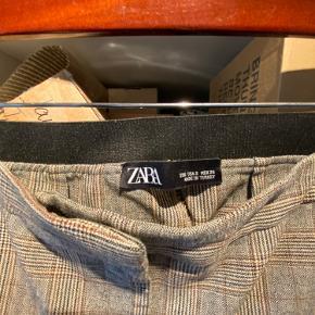 Flotte bukser fra Zara str. 26