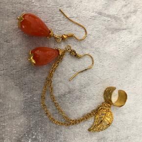 Øreringe Ear cuf med alm øreringe og kæde til øvre øre og lignende øre ring til andet øre  Halv ædelsten  Farven er forgyldt og orange  Nyt