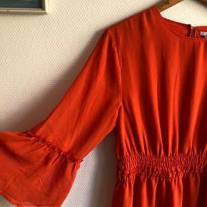 Fineste kjole fra H&M, kun brugt 1 gang.   #30dayssellout