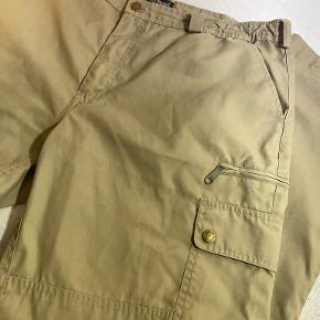 Pinewood bukser