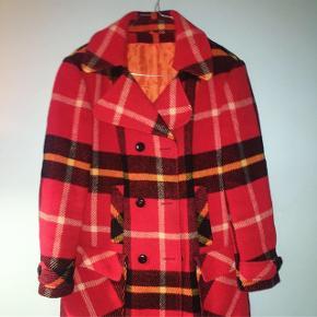 Fantastisk ternet jakke (twill coat). Ideal som forårsjakke / efterårsjakke. Købt i dyr vintageforretning. Bud modtages ❣️